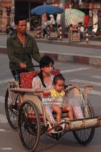 Hình ảnh về phụ nữ Việt Nam thập niên 1990 - 11