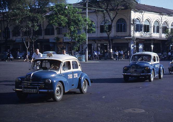Sài Gòn taxi màu xanh dương - 1