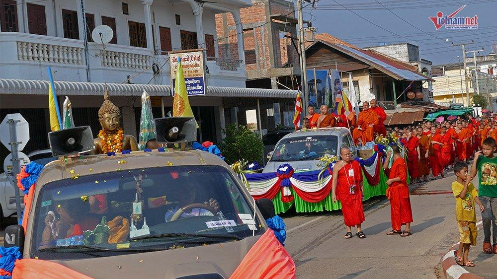 Ngày Tết đẫm nước của người dân Lào - 1