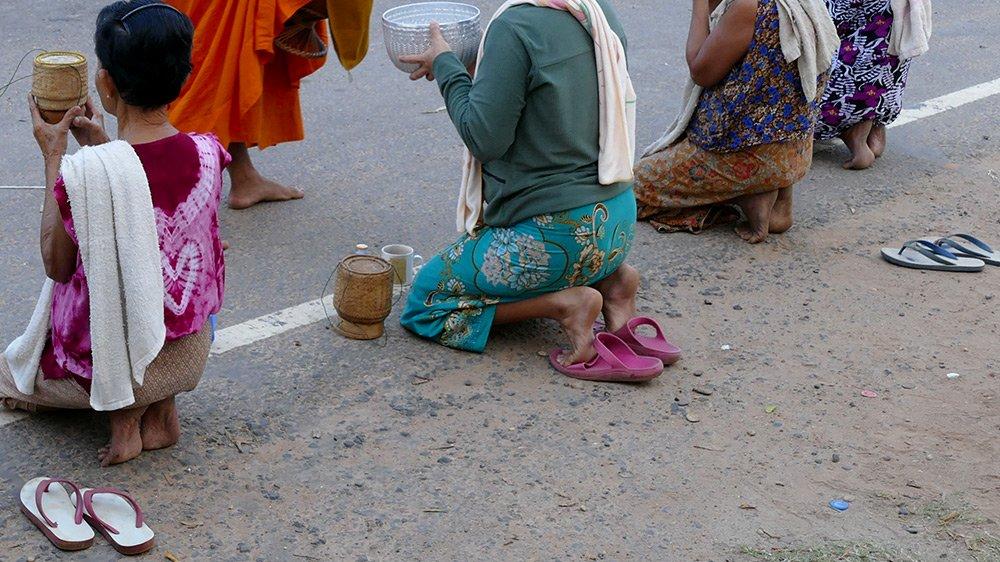 Hình ảnh đẹp mỗi sáng trên khắp đất nước Lào - 3