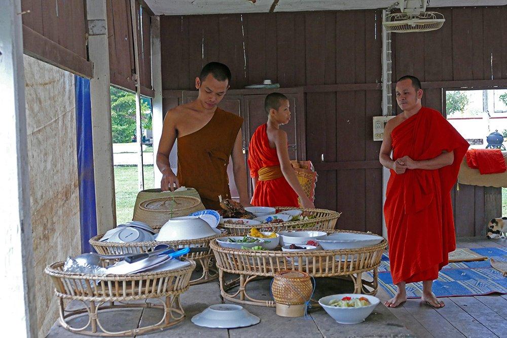 Hình ảnh đẹp mỗi sáng trên khắp đất nước Lào - 13