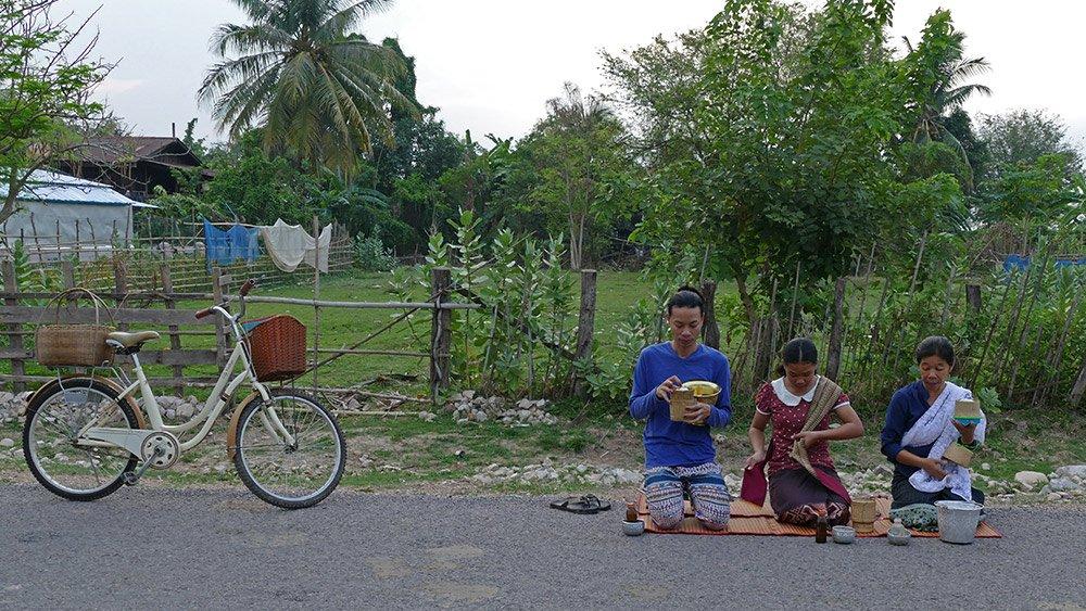 Hình ảnh đẹp mỗi sáng trên khắp đất nước Lào - 2