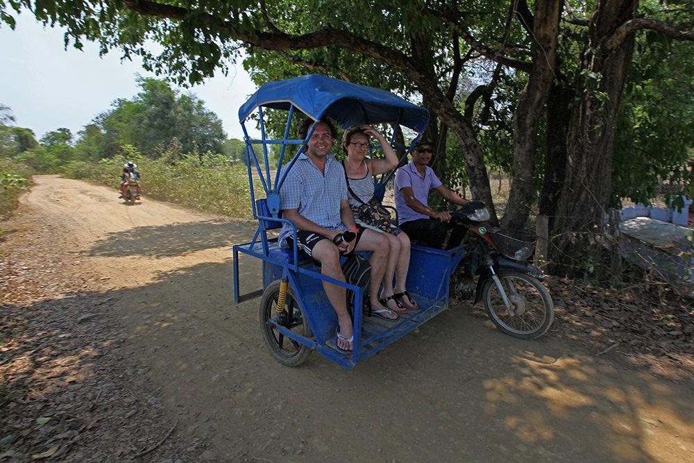 Giao thông kỳ lạ ở Lào - 18
