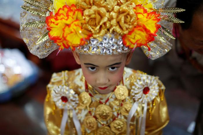 Nghi lễ 'Quy y cửa Phật' của những cậu bé xinh như hoa ở Thái Lan - 8
