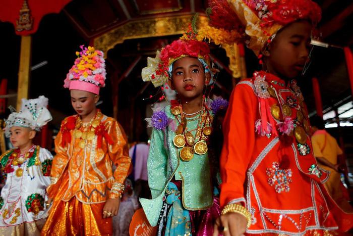 Nghi lễ 'Quy y cửa Phật' của những cậu bé xinh như hoa ở Thái Lan - 5