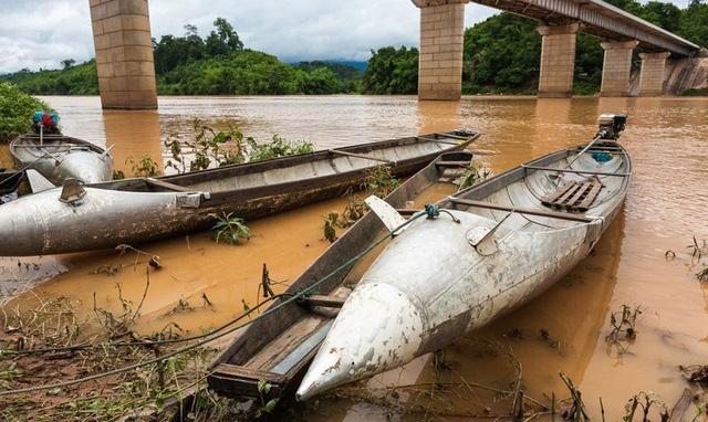 Những quả bom từ thời chiến tranh được người Lào tận dụng trong cuộc sống - 9