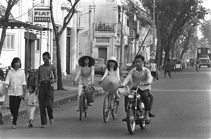 Ảnh đen trắng về Sài Gòn những năm 1960 của nhà báo Pháp - 1