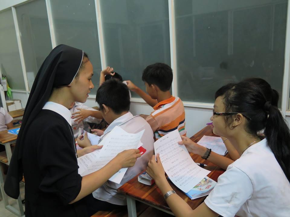 Nữ Tu Đức Bà và những ấp ủ cho trẻ khuyết tật - 2