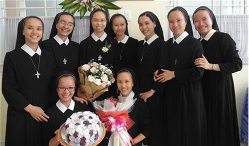 Nữ Tu Đức Bà và những ấp ủ cho trẻ khuyết tật - 1