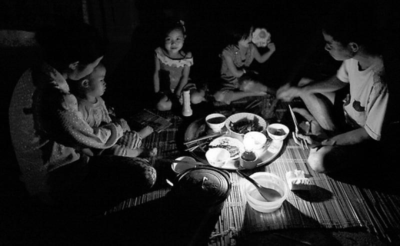 Bữa cơm gia đình trong ký ức người xa quê - 1