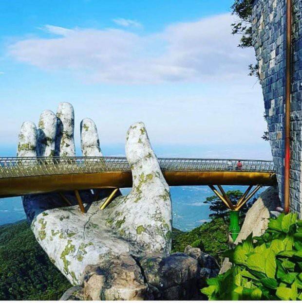 Ngắm cảnh từ cây cầu vàng được nâng đỡ bởi đôi bàn tay khổng lồ ở Đà Nẵng - 5