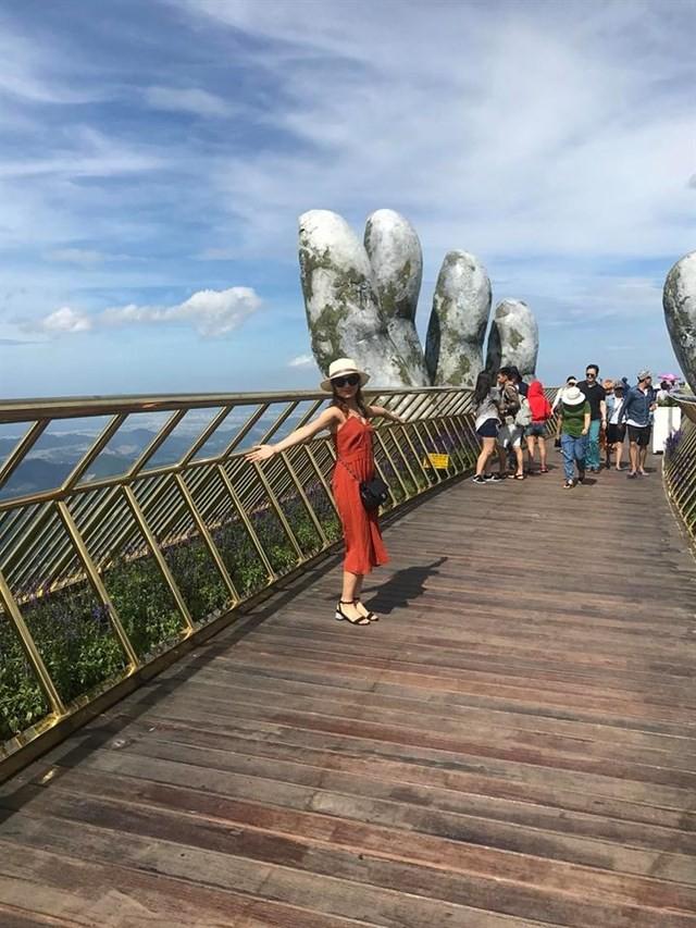 Ngắm cảnh từ cây cầu vàng được nâng đỡ bởi đôi bàn tay khổng lồ ở Đà Nẵng - 12