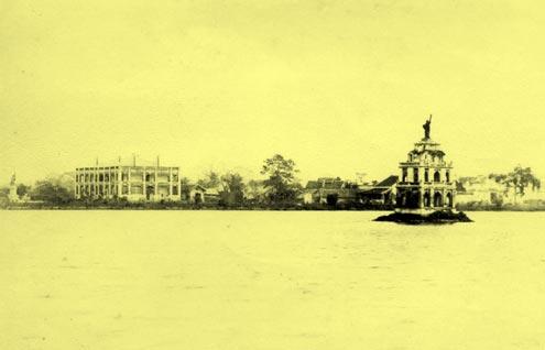 Tượng Nữ Thần Tự Do Tại Hà Nội, Việt Nam - 7