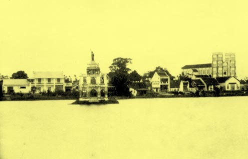 Tượng Nữ Thần Tự Do Tại Hà Nội, Việt Nam - 8