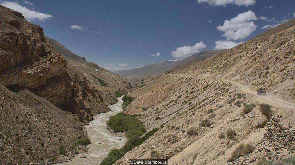 Xa lộ Pamir, cung đường hoang sơ và hào hùng nhất thế giới - 4