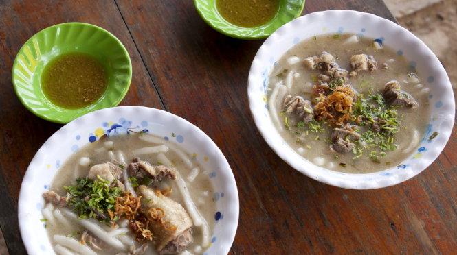 Ăn bánh canh bột xắt thịt vịt xứ dừa - 3