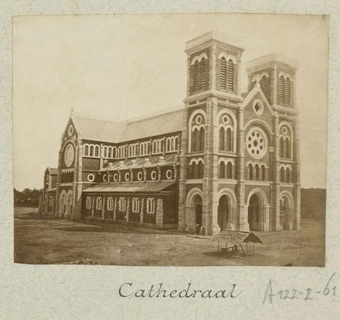 Hình ảnh nhà thờ Đức Bà Sài Gòn lúc  mới xây - 2
