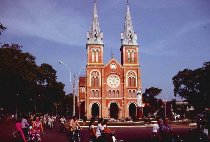 Hình ảnh nhà thờ Đức Bà Sài Gòn lúc  mới xây - 11