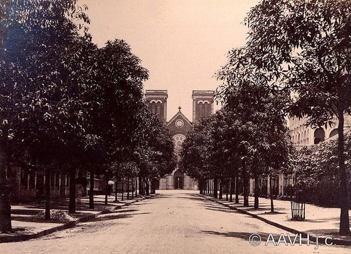 Hình ảnh nhà thờ Đức Bà Sài Gòn lúc  mới xây - 3