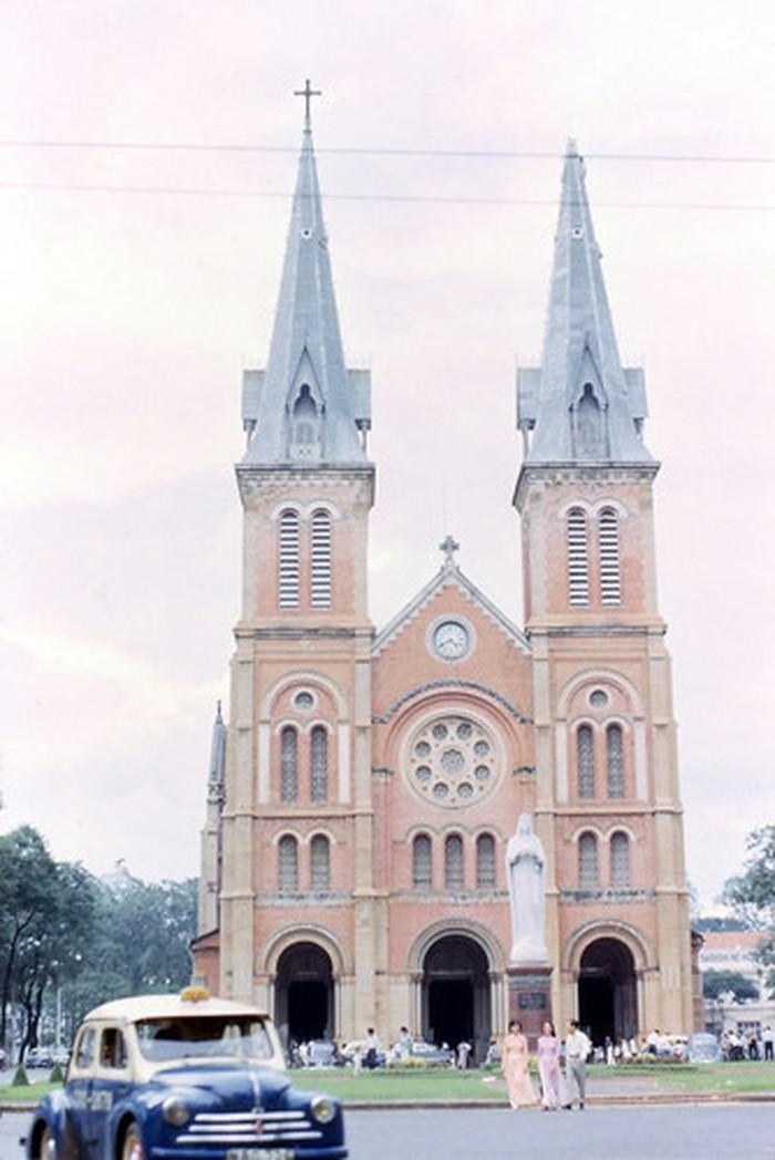Hình ảnh nhà thờ Đức Bà Sài Gòn lúc  mới xây - 8