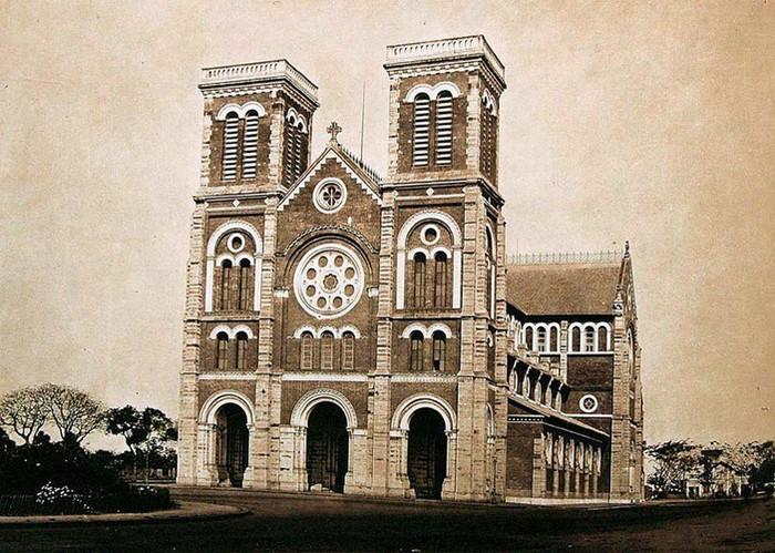 Hình ảnh nhà thờ Đức Bà Sài Gòn lúc  mới xây - 1