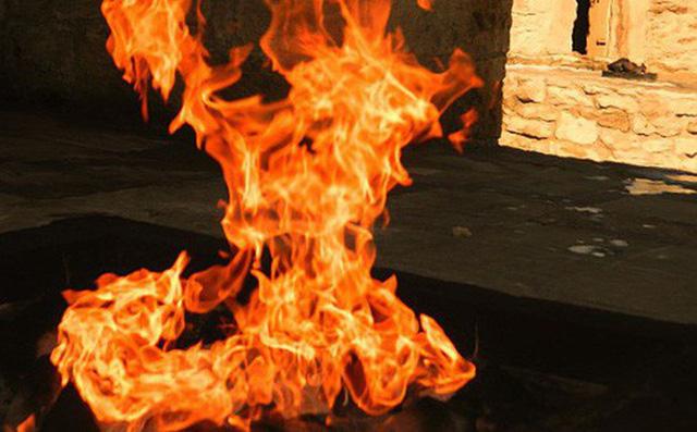 """Ngọn lửa được mệnh danh là """"địa ngục"""": Cháy được 4000 năm và không hề có dấu hiệu sẽ ngừng lại - 1"""