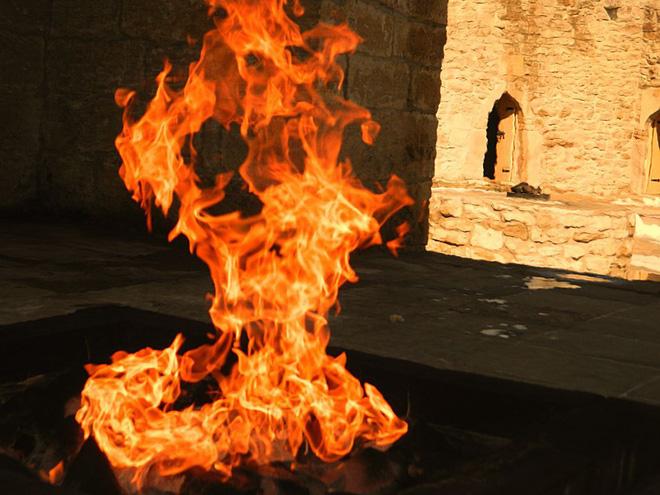 """Ngọn lửa được mệnh danh là """"địa ngục"""": Cháy được 4000 năm và không hề có dấu hiệu sẽ ngừng lại - 13"""