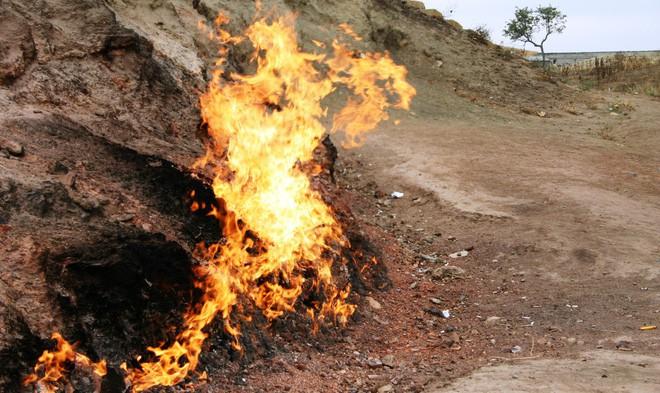 """Ngọn lửa được mệnh danh là """"địa ngục"""": Cháy được 4000 năm và không hề có dấu hiệu sẽ ngừng lại - 7"""