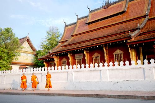 Luang Prabang thoáng bóng cà sa - 1