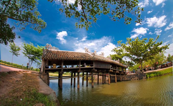 Những cây cầu ngói đẹp ở Việt Nam - 12