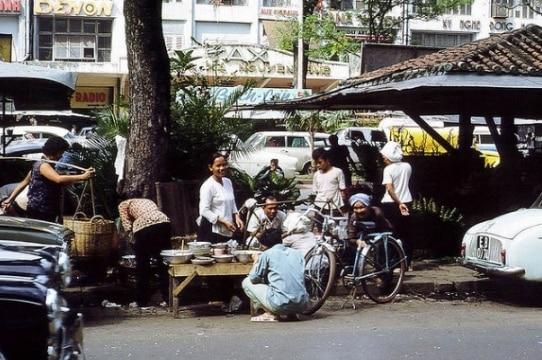 Lịch sử đường Nguyễn Huệ - 13