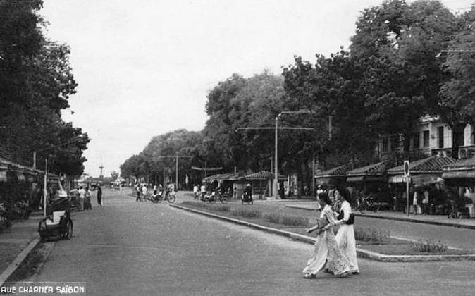 Lịch sử đường Nguyễn Huệ - 12