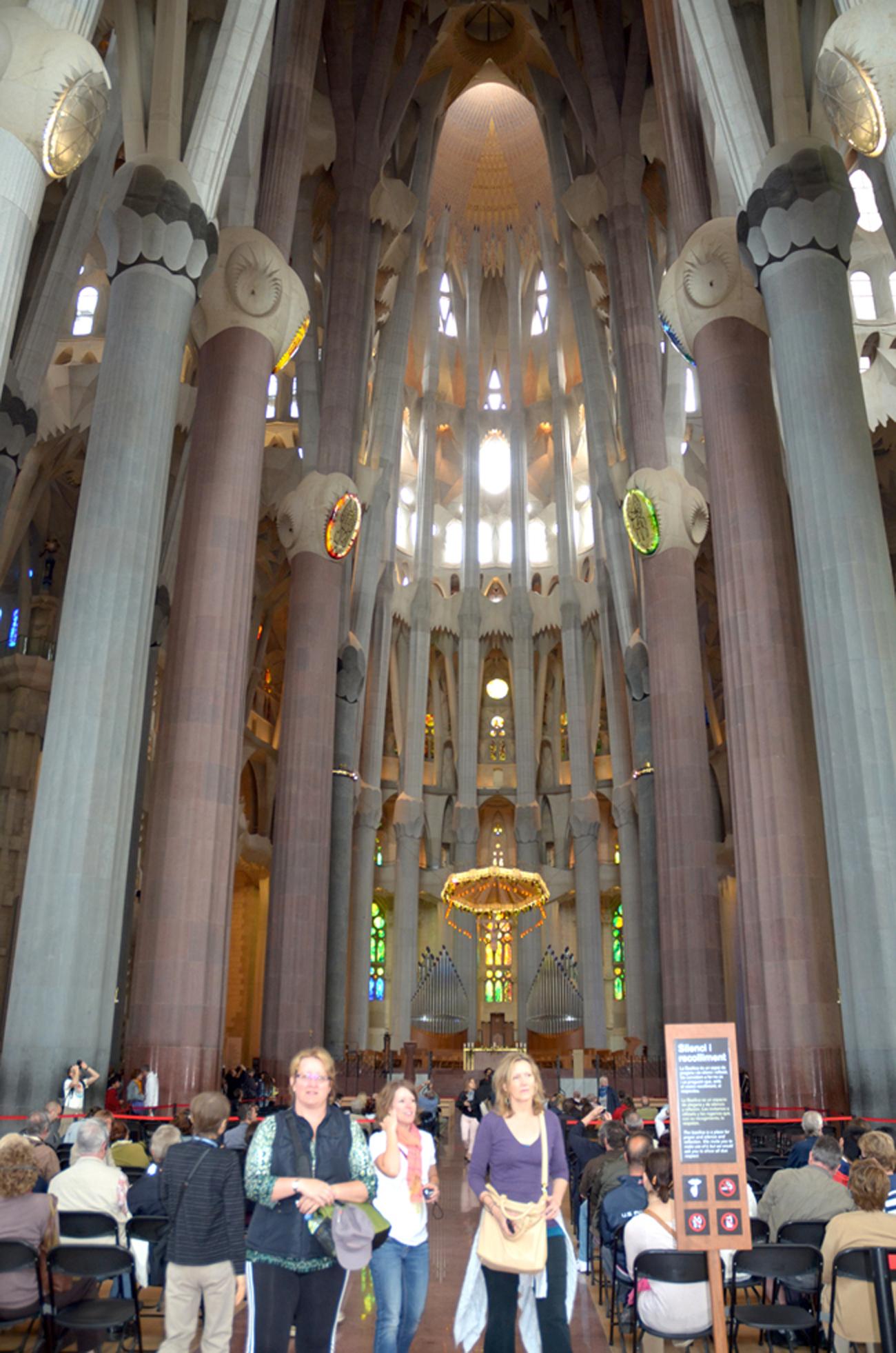 'Người điên' Antoni Gaudi và nhà thờ Sagrada Familia nổi tiếng - 5