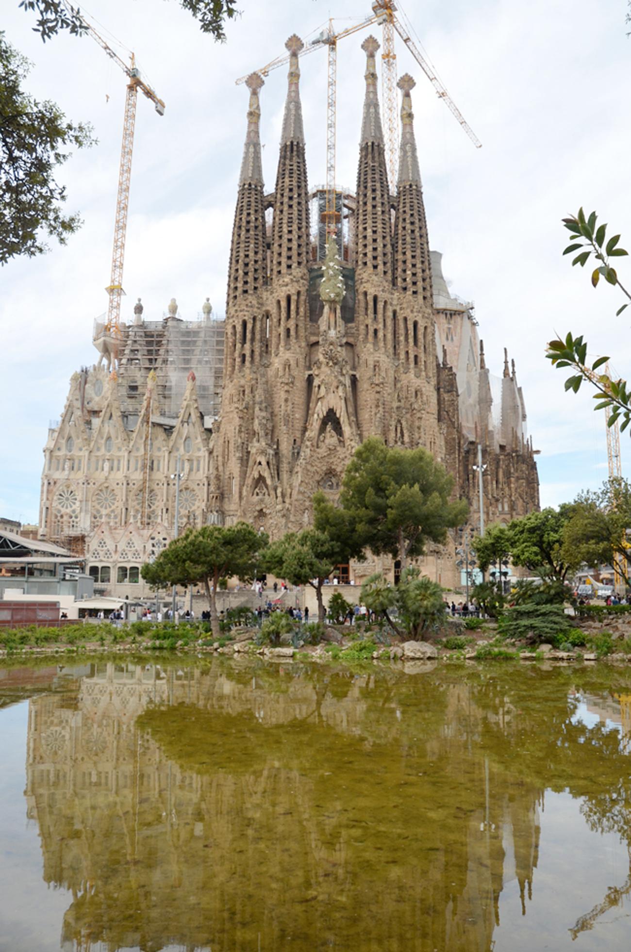 'Người điên' Antoni Gaudi và nhà thờ Sagrada Familia nổi tiếng - 3
