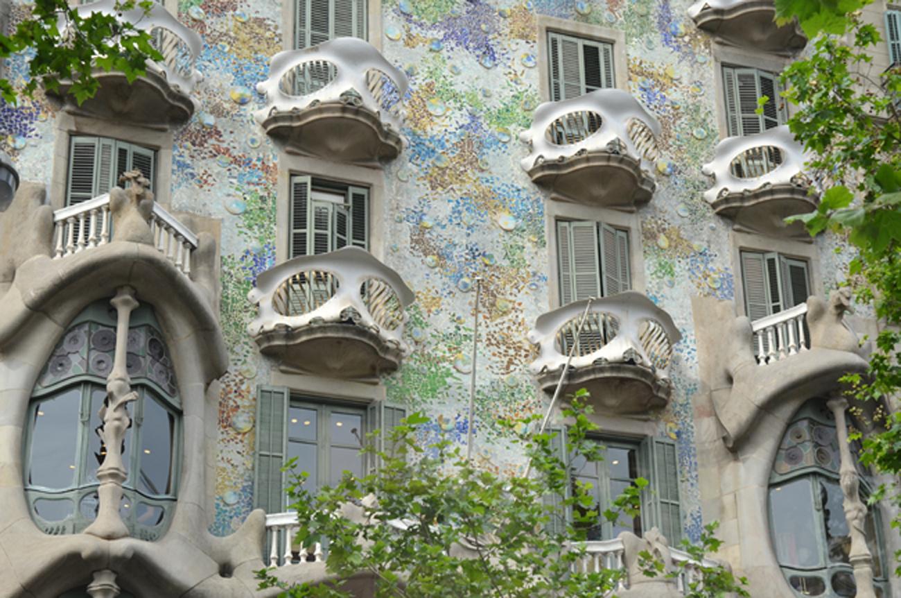 'Người điên' Antoni Gaudi và nhà thờ Sagrada Familia nổi tiếng - 7