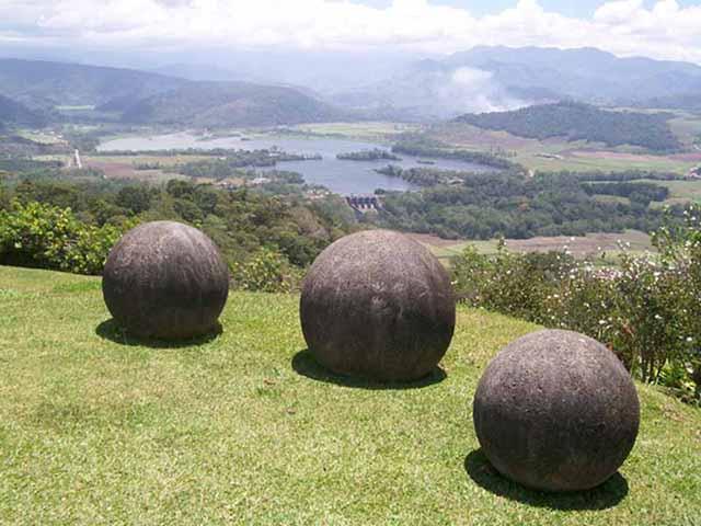 Những quả cầu khổng lồ bí ẩn nhất thế giới, khoa học vẫn không thể giải thích được - 2