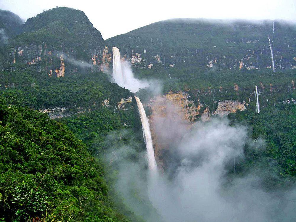 10 thác nước hùng vĩ, tráng lệ nhất trên thế giới - 4