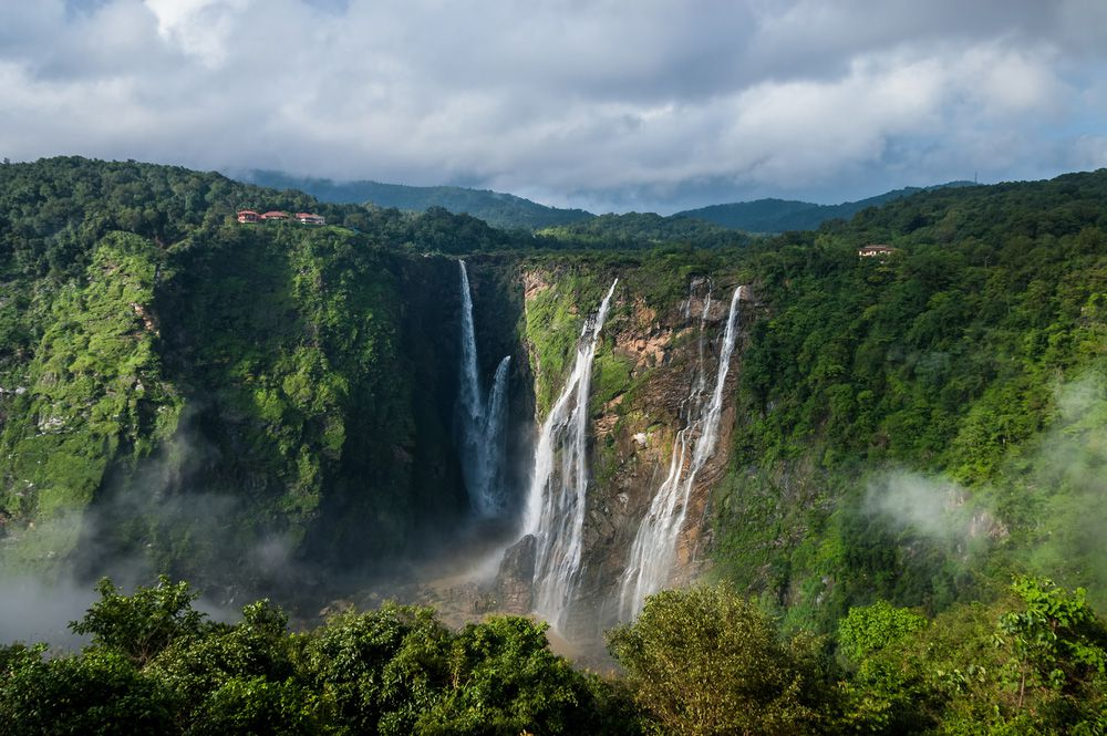 10 thác nước hùng vĩ, tráng lệ nhất trên thế giới - 7