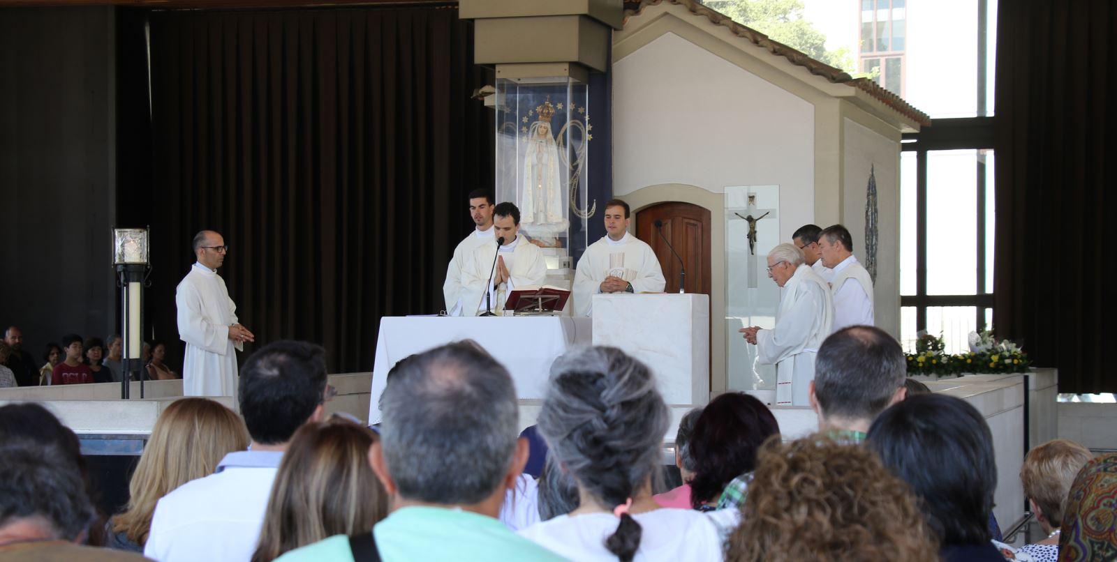 Người khiếm thị đầu tiên chịu chức linh mục tại Bồ Ðào Nha - 2