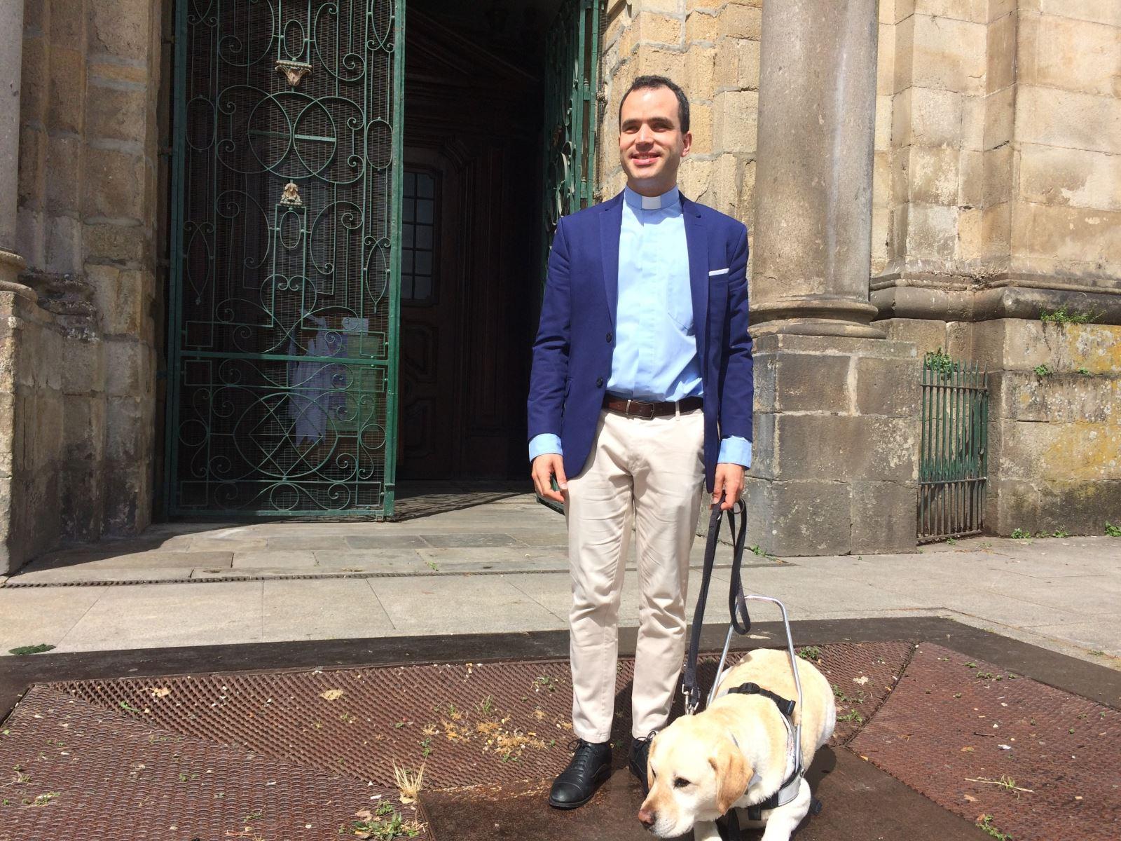 Người khiếm thị đầu tiên chịu chức linh mục tại Bồ Ðào Nha - 1