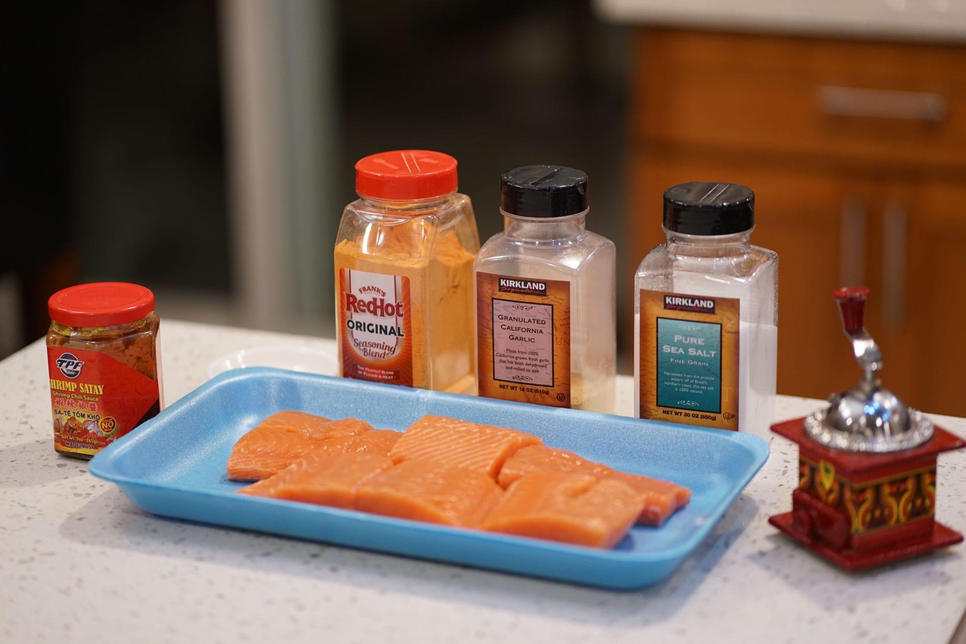 Cá hồi ướp sa tế nướng giấy bạc - 2