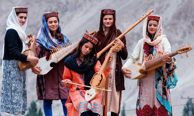 Bộ lạc sống thọ và có nhiều phụ nữ đẹp nhất thế giới - 2