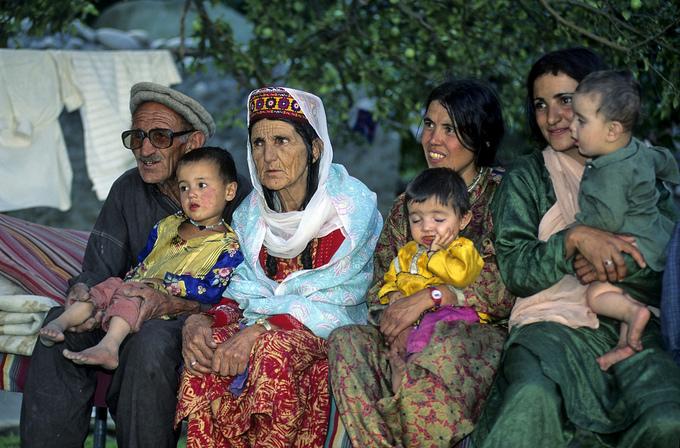 Bộ lạc sống thọ và có nhiều phụ nữ đẹp nhất thế giới - 4