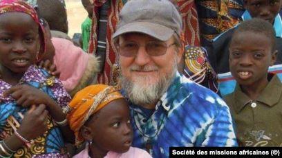 Linh mục Maccalli kể đời sống khó khăn của cha trong hai năm bị giam cầm ở Niger - 2
