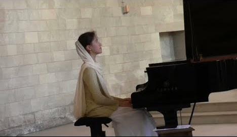 Viviane Bruneau-Shen, nghệ sĩ dương cầm thánh hiến - 2