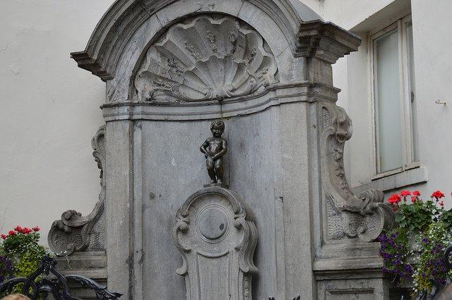 Tượng thằng bé Manneken Pis (Bỉ) - 1