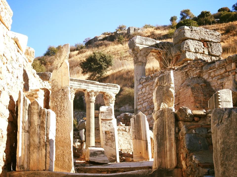 Ephesus và chuyến du hành ngược 3.000 năm - 15
