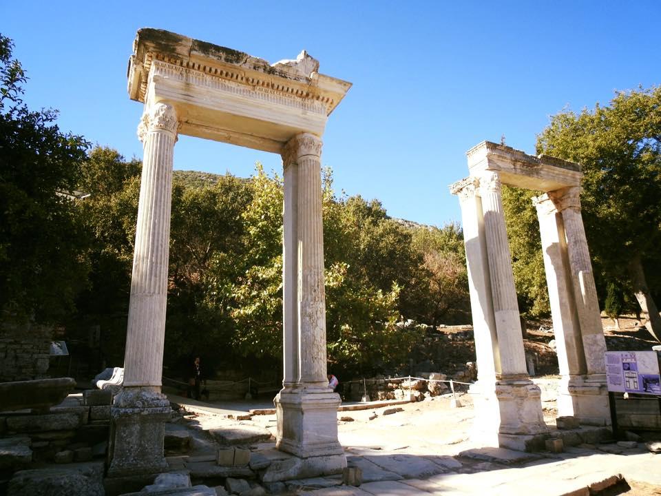 Ephesus và chuyến du hành ngược 3.000 năm - 12