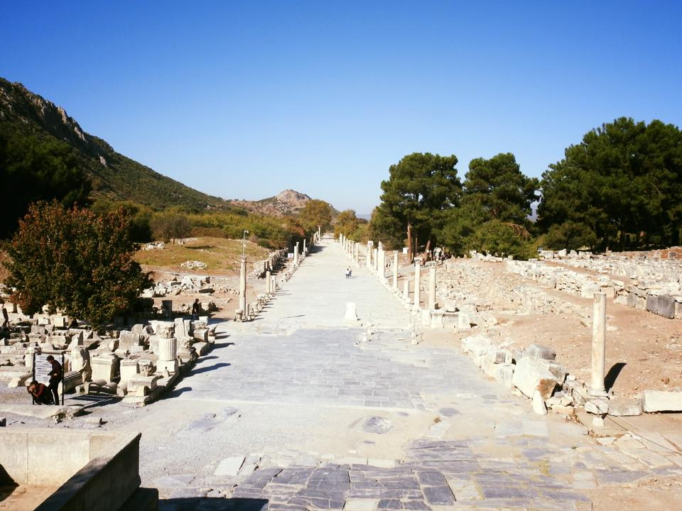 Ephesus và chuyến du hành ngược 3.000 năm - 10