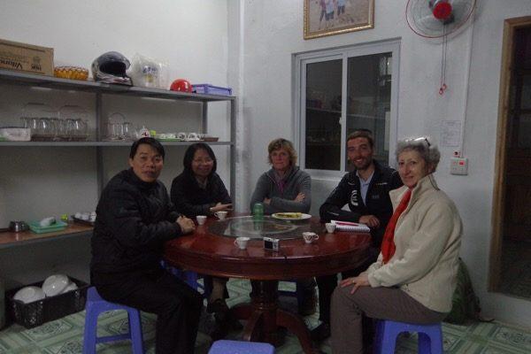 Sapa, Lào Cai, chúng ta cùng đặt nhà thờ ở giữa làng - 11